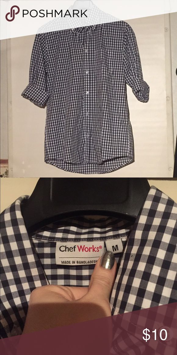 Men's Medium shirt Chef Works Chef Works Men's Medium shirt. Brand New Never worn just taken out of package. There was no tag on this item so it is NWOT Chef Works Tops Button Down Shirts