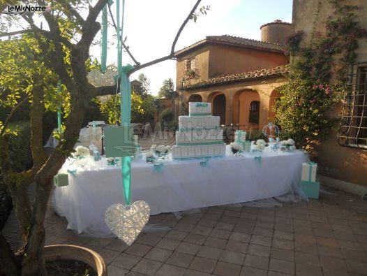 Il tavolo della torta blu tiffany