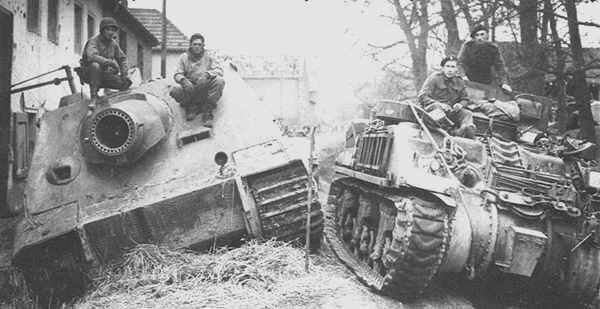 Sturmtiger B7e3a99596e396af5fe5f69dbf43c74c--ww-tanks-history-online