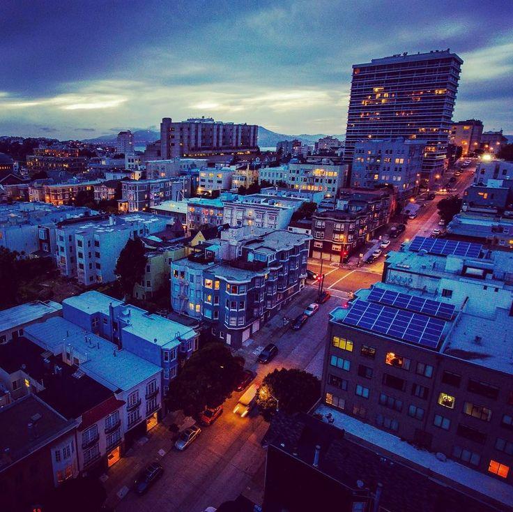 #aerial #city #air #sanfran #sanfrancisco #dji #djiphantom4 #djiphantom #phantom #phantom4 #aerialphotography #aerialphoto #aerialphotos #flying #overhead #birdseyeview #night #nighttime #nightphotography #nightlights #nightlife #sf #sfstreets #sfstreetart #sfart #sfartist #sfphoto #sfphotography #nbcbayarea @nbcbayarea #pacificheights