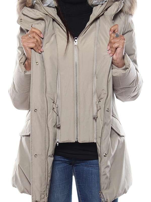 Vestito nero giacca beige valances