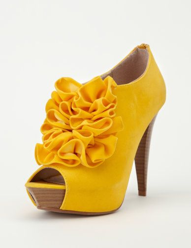 Shoes: Color, Charlotte Russe, Outfit, Yellow Shoes, Yellow Heels, New Shoes, Peeps To Bootie, Yellow Flower, Ruffles