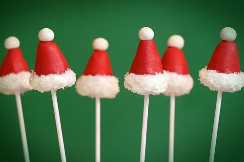 christmas cake pops.Christmas Parties, Hats Cake, Santa Hats, Cake Mixed, Holiday Cake, Cute Ideas, Christmas Treats, Christmas Trees, Christmas Cake Pop
