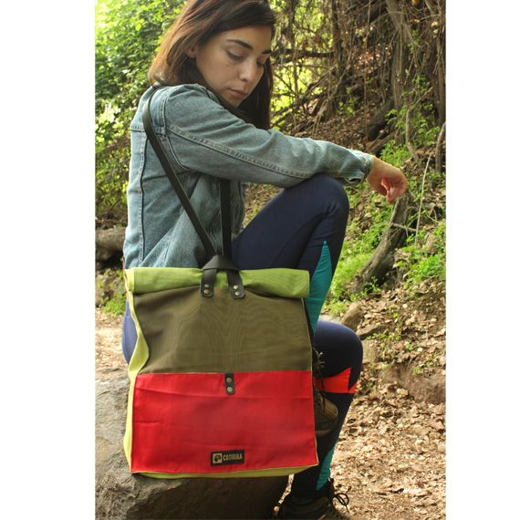 Modelo D  Version Choroy (Tote bag) Disponible en www.cotorra.cl