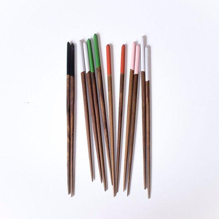 Chopsticks: get em online! What colour would you choose....?