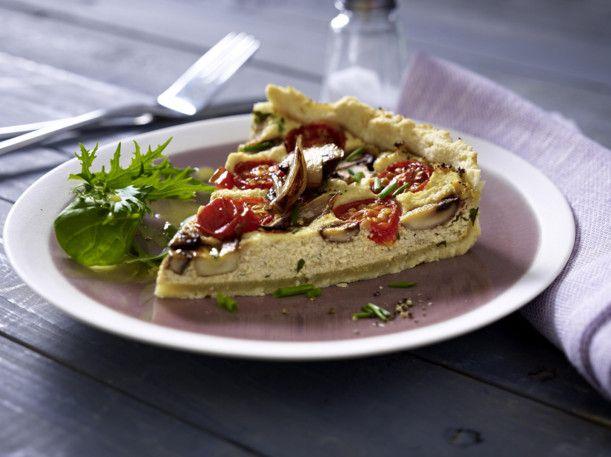 Unser beliebtes Rezept für Tomaten-Pilz-Quiche mit Tofuguss und mehr als 55.000 weitere kostenlose Rezepte auf LECKER.de.