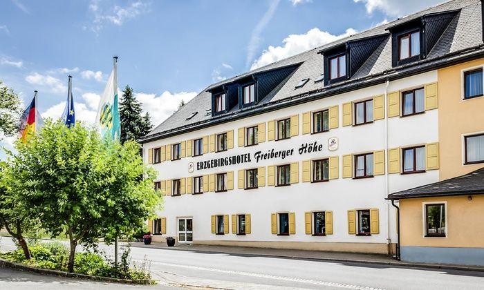 Travdo Hotel - Erzgebirgshotel Freiberger Höhe - Eppendorf: Erzgebirge: 3 bis 8 Tage zu zweit mit All Inclusive und 1x Gutschein für Massage im Erzgebirgshotel Freiberger Höhe