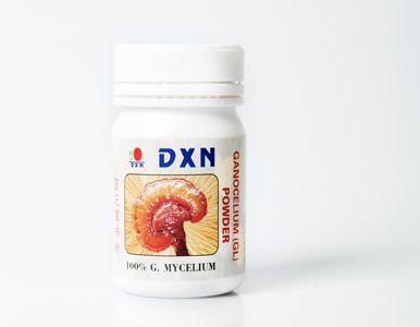 Il Ganoderma Lucidum in polvere ha  l'assorbimento più rapido nel corpo. E' utilizzabile anche mescolata all'acqua da bere, alla zuppa preferita o ad un succo di frutta. Ganoderma GL Polvere aiuta a migliorare il funzionamento generale del corpo. Il suo consumo giornaliero soddisfa l'intero fabbisogno di minerali e vitamine e disintossica l'organismo.