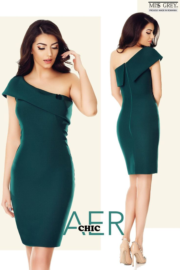 Especially created for you, the green Elida dress will make your appearance a memorable one.