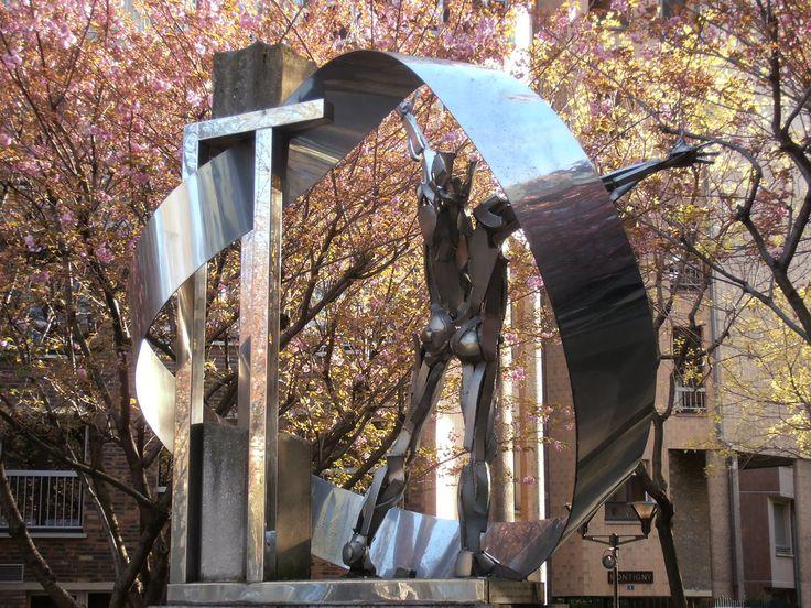 "Sculpture rue Albert Camus (place du Colonel Fabien) Paris. ""A Albert Camus"""