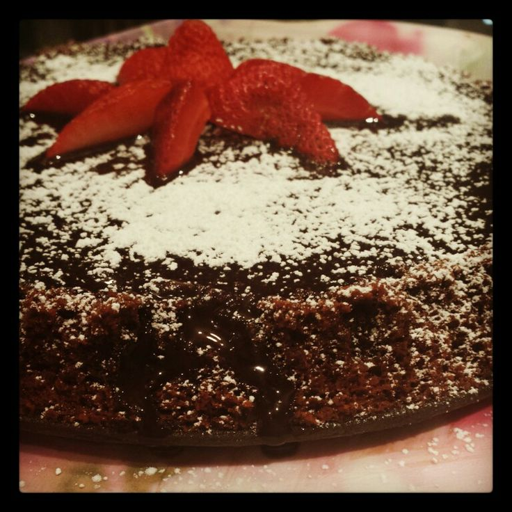 Flourless chocolate cake! Recipe from Exclusively Food :)