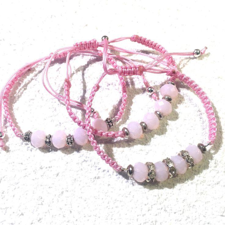Le chouchou de ma boutique https://www.etsy.com/ca-fr/listing/386792082/bracelets-perles-de-swarowski-ajustable