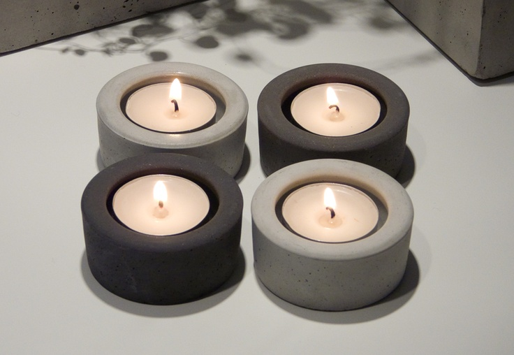 Simple Tea light holder in concrete. Made in our silicon mold. Find this, and other molds at http://www.wsochcompany.se (site in swedish)
