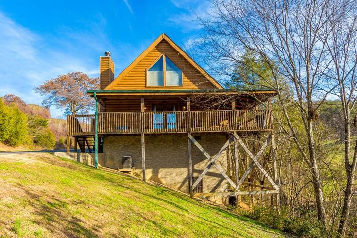 """Sugar Bear Cabin Rental"" 2 Bedrooms, 2 Baths Pigeon Forge, Tennessee"