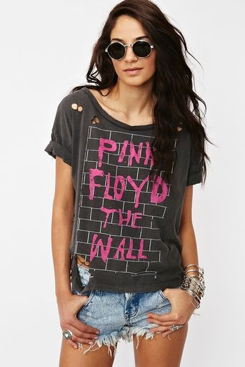 we dont need no education.: Pinkfloyd, Summer Concerts Outfits, Pink Floyd, Clothing, Summer Style, Floyd Tees, Bands Tees, Bands Shirts, My Style