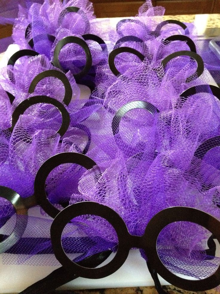Purple Minion Inspired Headbands - these will be cute for the girls at the #DespicableMe #party!