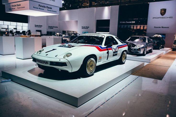 Porsche Classic Sundays  #CelebrateTheCars #Classics http://ift.tt/2oRM7Z6