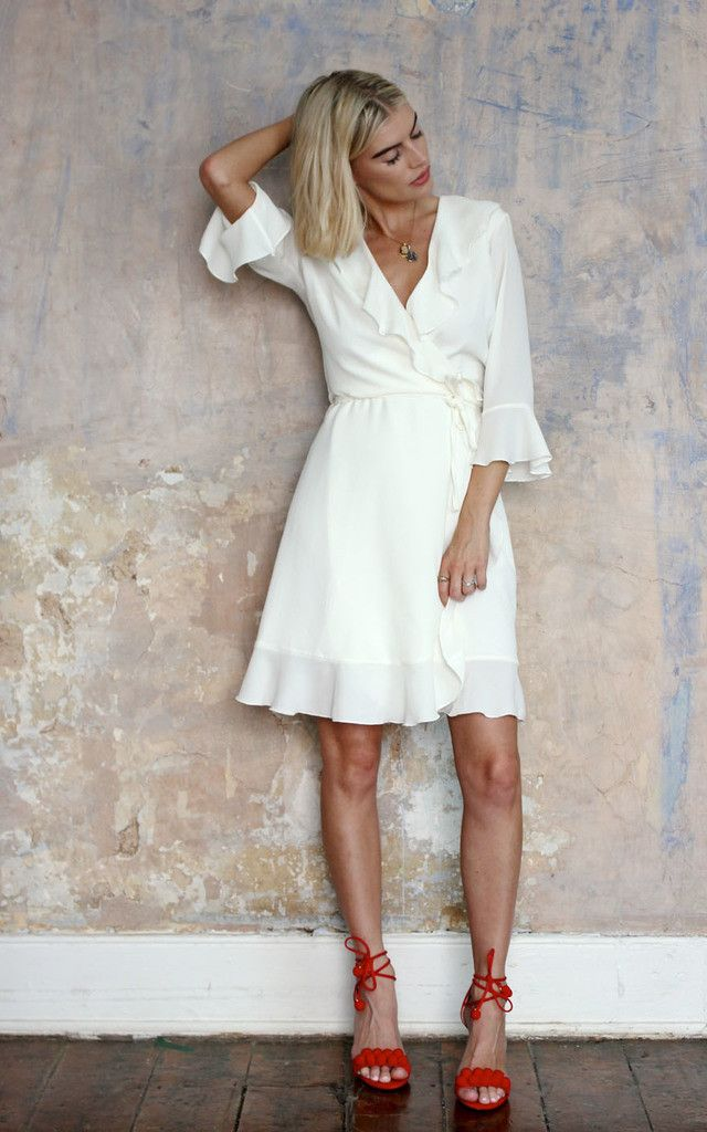 Our new fave, lightweight crepe...perfect for a fun, flirty frock for Spring/Summer...