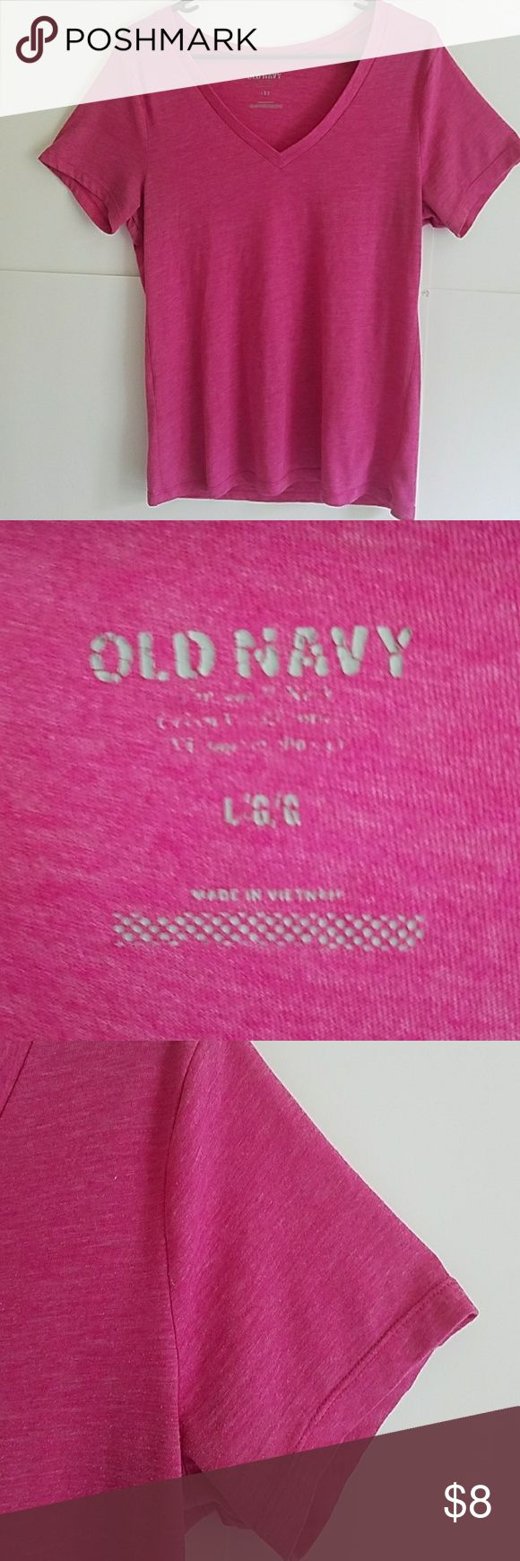 Old navy vneck top Cute used but still good condition the tag is fading. I wanna…