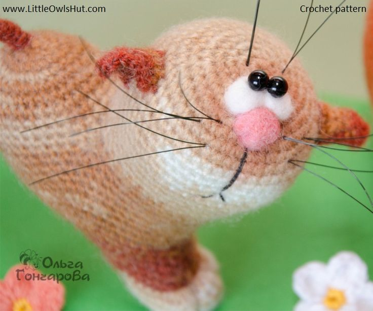 Project by Olga Goncharova. Crochet pattern by Pertseva Cat Heart ValentinCat 14 February Ravelry #LittleOwlsHut, #Amigurumi, #CrohetPattern, #Crochet, #Crocheted, #Cat, #Pertseva, #DIY, #Craft, #Pattern, #Valentine's, #14February