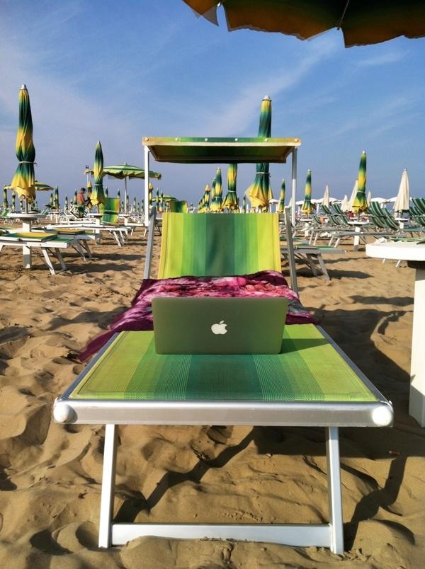"My #blogville beach ""office"". Rimini, Italy. #Apple"