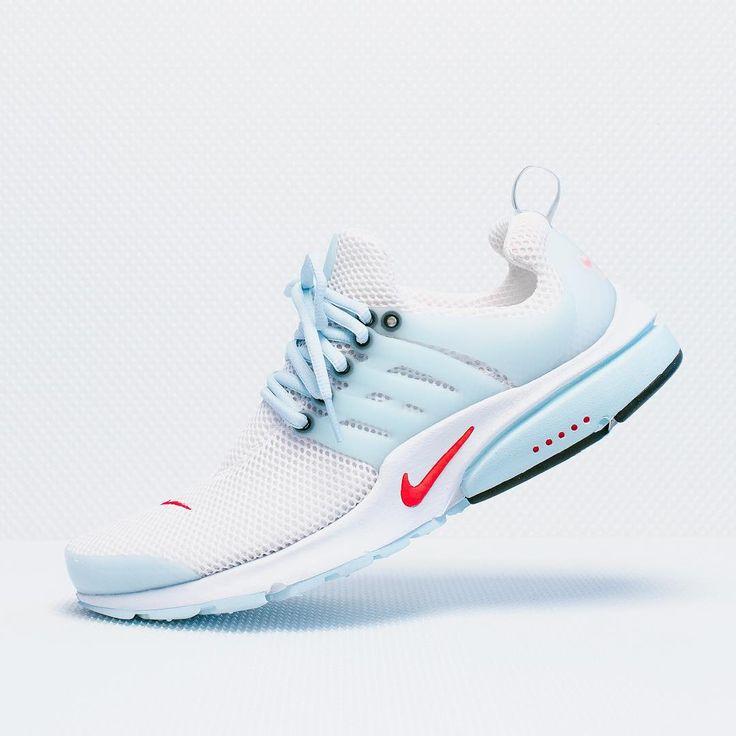 White Nike Air Presto