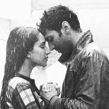 Love under rain✨ Adithiya Roy Kapoor  and Shraddha Kapoor. ok jaanu cutiess