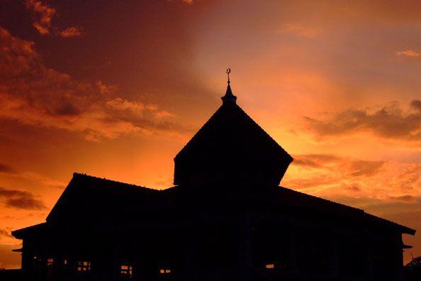 Sempurnakan Puasa Hingga Malam, Kata Quran – Islam di Atas Mazhab