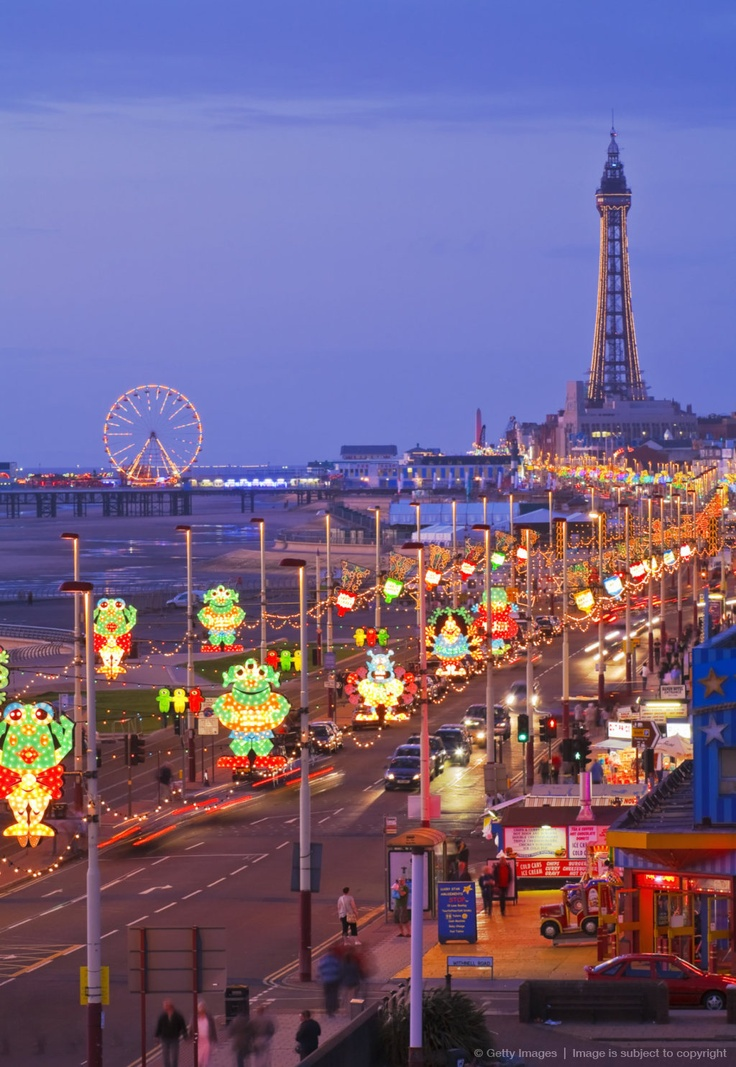 Blackpool illuminations get switched on 30/082013 ...