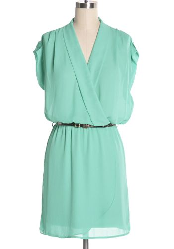 Easy to wear aqua green dress with tulip skirt, removable belt, and tab sleeves. Relaxed fit. Elastic waist. 80% cotton, 20% polyester Not stretchy Lined Hand wash cold; hang dry Indie, Retro, Party, Vintage, Plus Size, Convertible, Cocktail Dresses in Canada NEW: Front Office Dress -