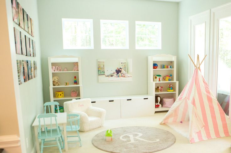 Bright playroom with a Teepee and lots of storage!