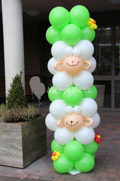 Such a cute idea! Balloon sheep peeking out of this column.