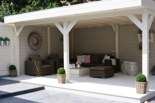 tuin en veranda ideeen | Buitenverblijf/keuken van Lariks Douglas hout. Door Noompje