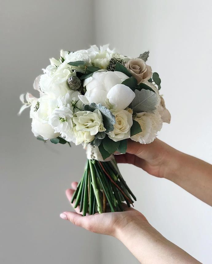 Wedding Flower Trends For 2020 Hand Bouquet Wedding Wedding