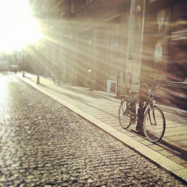 cracow kraków polska poland europe light sunlight bike bicycle sunset old town sunny http://tiki-tiki-kosmetyki.blogspot.com/2014/06/czerwiec-w-zdjeciach.html
