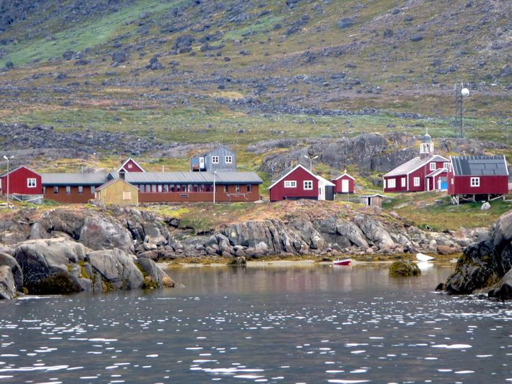 Narsarmijit (Narsaq Kujalleq) is the southernmost settlement in Greenland. The Herjolfsnes archaeological site is three kilometers southwest.