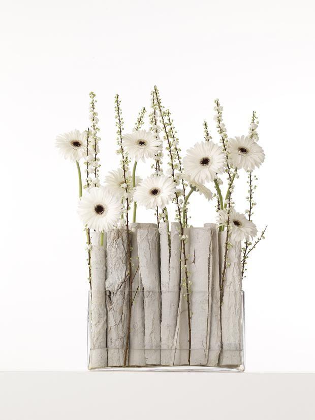 dekoracje stołu, komunia, stroiki na komunię, kwiaty na komunię