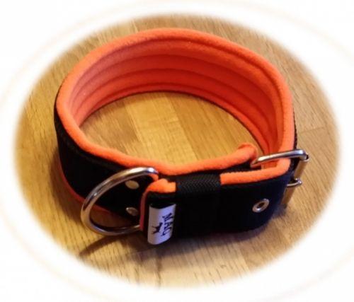 Tøffe hundehalsbånd fra MAG som passer godt til Staff, bulldog og litt større raser.
