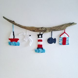 Add a touch of the seaside to your home with this amazing coastal wall hanging by Coastal Crochet. It will make any room feel like a beach hut and they are so much fun to make!