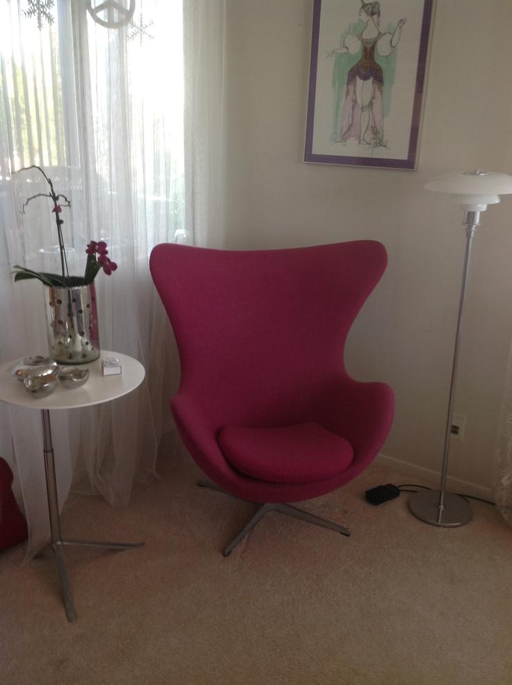Danish egg chair furniture pinterest danishes for Chaise 66 alvar aalto