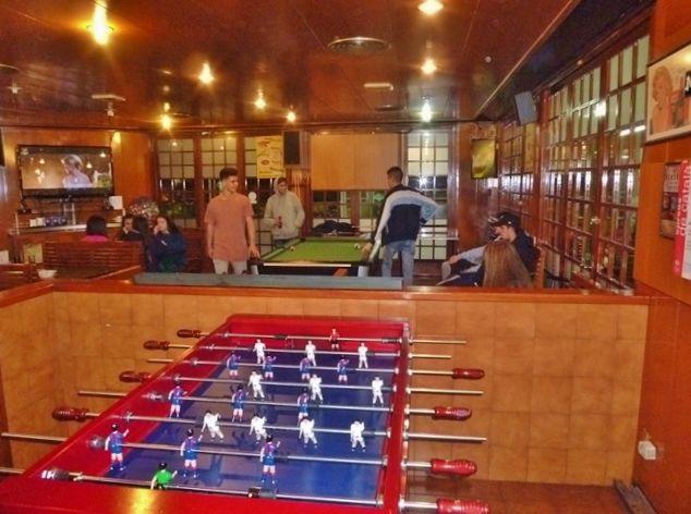 bar-con-futbolin-2