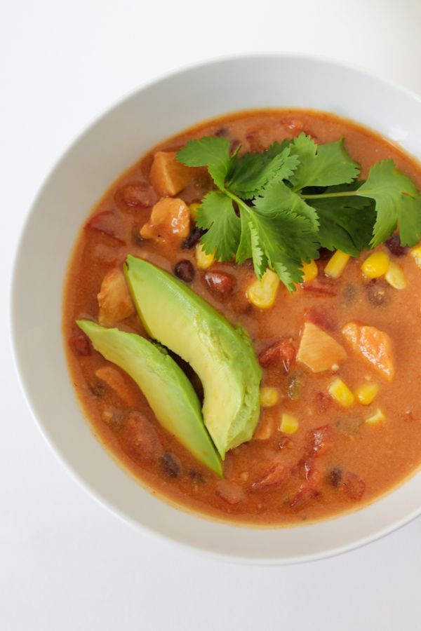 *Easy* Crockpot Chicken Tortilla Soup. You can even throw frozen chicken breasts into the crockpot without having to defrost.