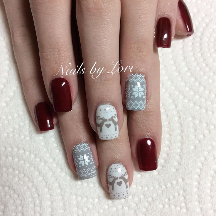 Moyou London  Festive 30  @polished_by_lori Nail stamping Sweater nails