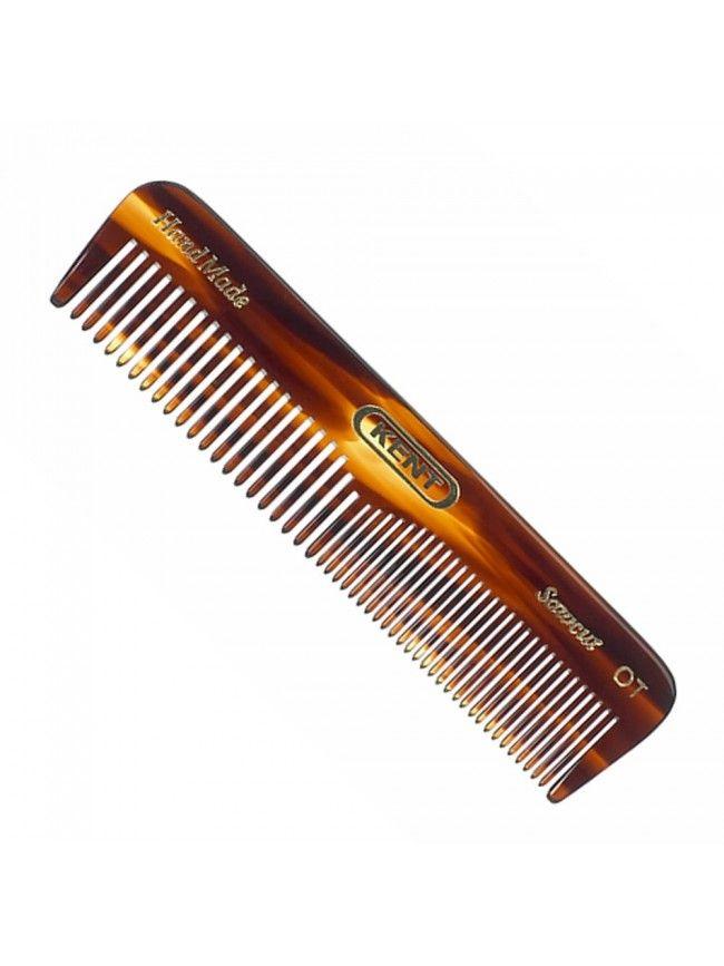 """El peine para barba """"Kent 0T"""" está hecho a mano con los mejores materiales, pulidos con mimo para evitar aristas, de esta forma te aseguras un peinado perfecto sin abrir las puntas y romper el pelo de la barba en el que ponemos tanto esmero en cuidar."""