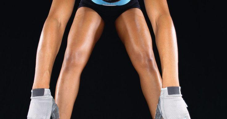 Como determinar o tamanho da luva de musculação. As luvas de musculação protegem as mãos de calos, aliviam a pressão sobre as mãos e os punhos e proporcionam uma melhor aderência ao levantar pesos pesados. Escolher o tamanho certo é importante para garantir uma boa aderência. Como as luvas de academia não têm dedos, você não precisa medir o comprimento das mãos, mas tem que medir sua largura. ...