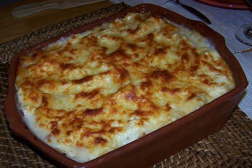 Resultado de imagem para lasanha de queijo com molho branco