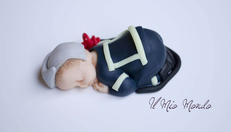 B b pompier belge en fimo p te polymer cr par il mio mondo - Bebe en pate fimo ...