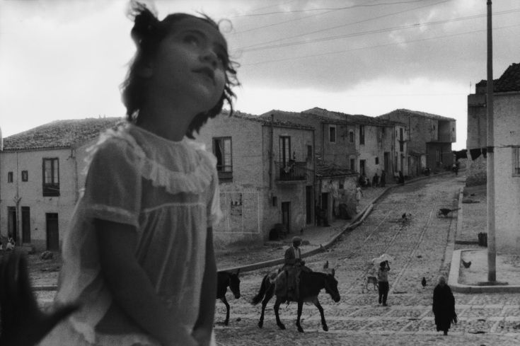 Life on the Streets: Sergio Larrain at Rencontres