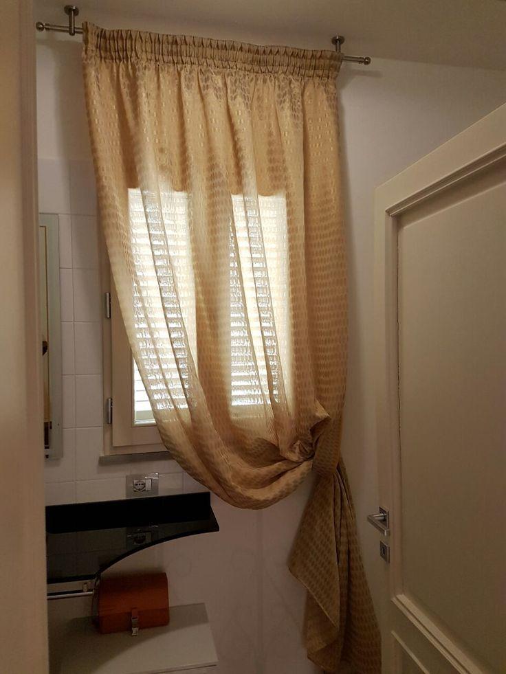 Oltre 25 fantastiche idee su tende della finestra del bagno su pinterest tende della cucina - Idee tende bagno ...