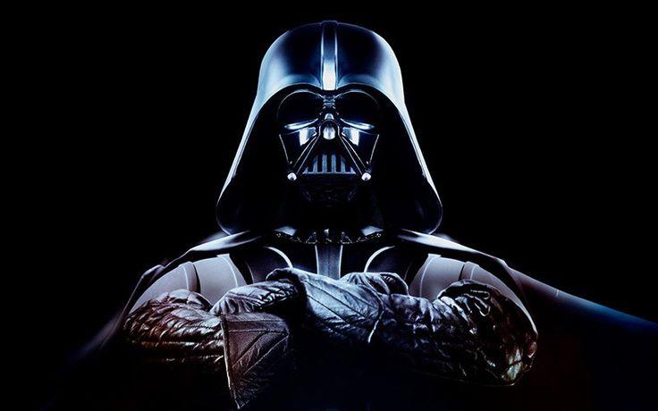 Darth Vader es el villano por antonomasia de La Guerra de las Galaxias. Pese a que el emperador es supremamente más malvado, manipulador y oscuro, no logra compararse con el impacto de Vader, un ser amenazador y letal, que cuenta con un carisma irrefrenable y una voz profunda… aunque solo sea con la mascara puesta. No por nada es considerado uno de los mejores villanos de la historia del cine.